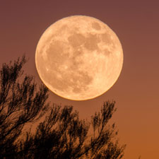 Full moon ganapathy-kumar-163082-unsplash